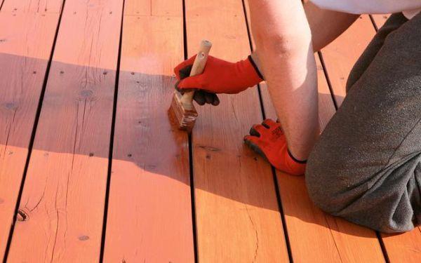 Jak olejować zniszczony taras drewniany
